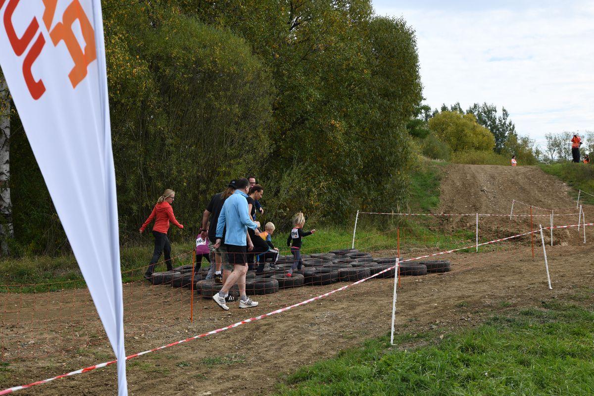 Běžecký terénní závod přes překážky pro děti Race for Juniors Rokycany g