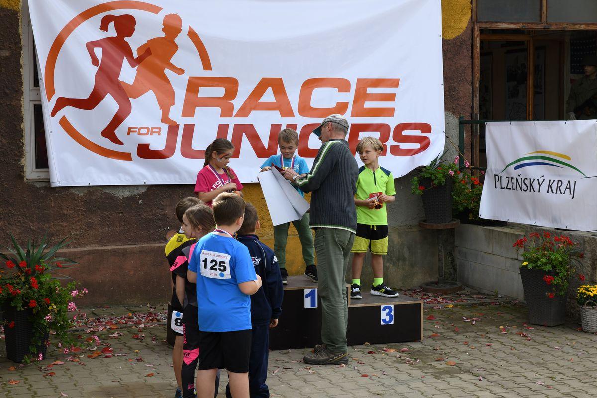 Běžecký terénní závod přes překážky pro děti Race for Juniors Rokycany r