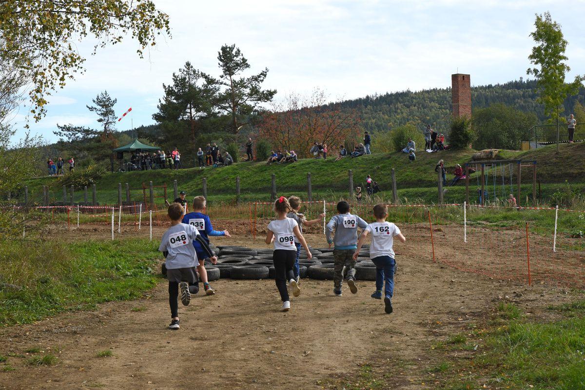 Běžecký terénní závod přes překážky pro děti Race for Juniors Rokycany t