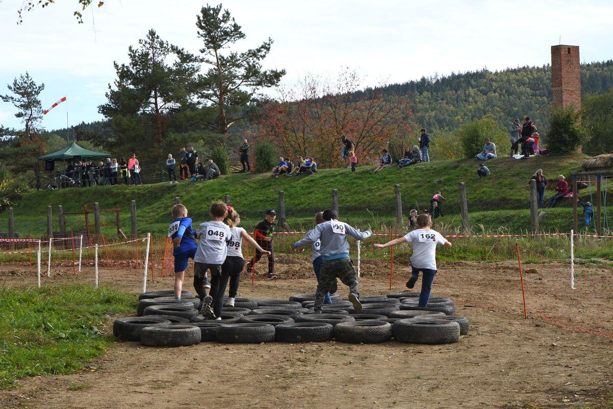 Běžecký terénní závod přes překážky pro děti Race for Juniors Rokycany u