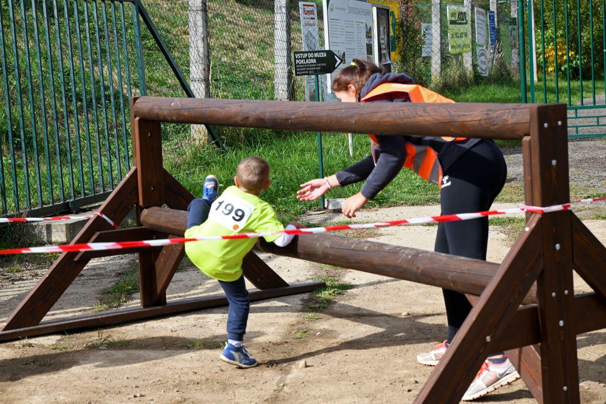 Race for Juniors Rokycany - terénní běžecký závod pro děti ve Vojenském muzeu