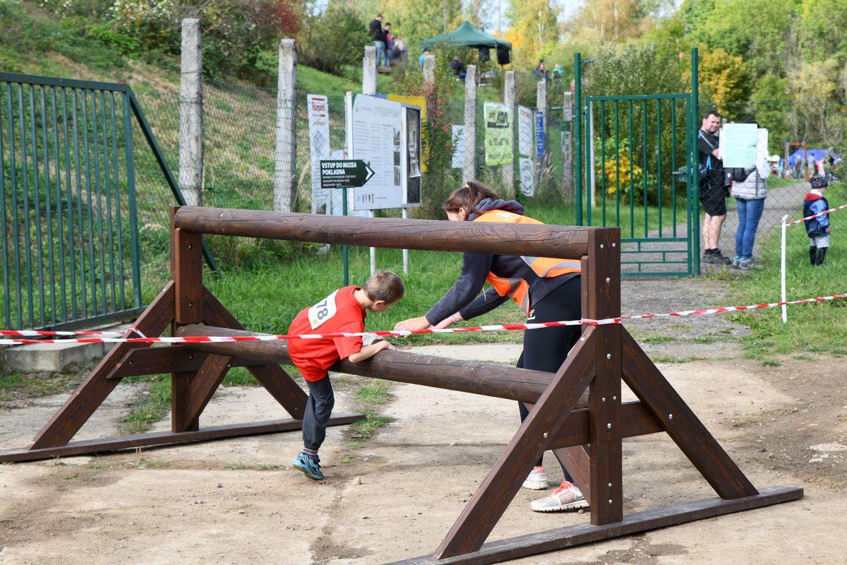 Race for Juniors Rokycany - terénní běžecký závod pro děti ve Vojenském muzeu v Rokycanech