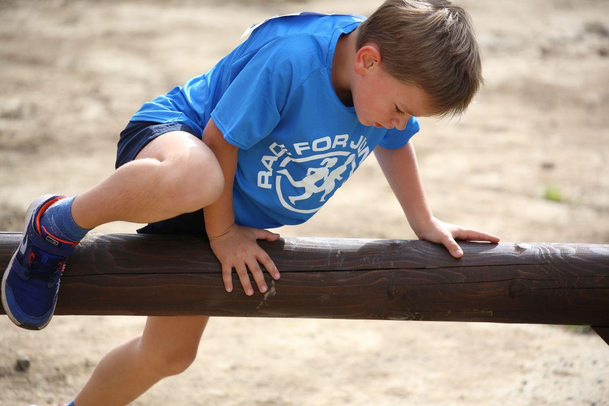Dětský běžecký závod s překážkami v Rokycanech